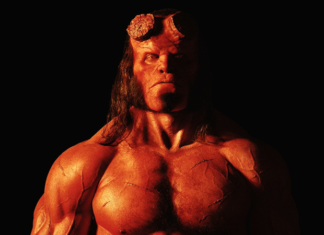 David Harbour som Hellboy